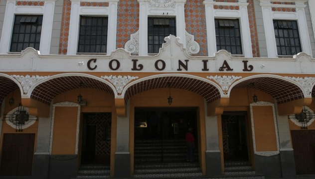 Cine Colonial